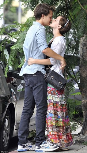 Emma and Johnny Simmons in Santa Monica - 6 August 2011