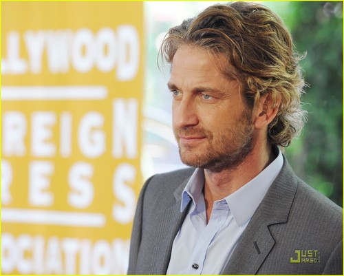 Gerard Butler Lunches with the HFPA - gerard-butler Photo