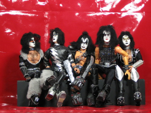 "キッス 壁紙 containing a breastplate titled K.I.S.S - Creatures Of The Night 12"" custom figures!"