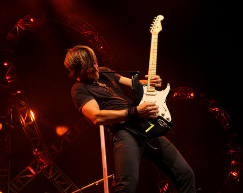 Keith Urban on his 2011 Get Closer World Tour