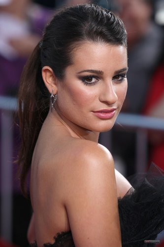 "Lea @ The Premiere of ""Glee The 3D کنسرٹ Movie"""