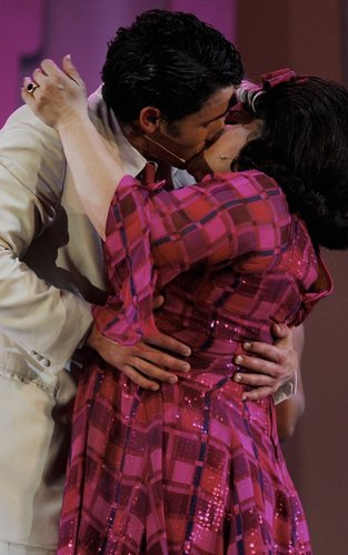 "Nick Jonas Makes ""Hairspray"" Stage Debut (08.05.2011) !!!"