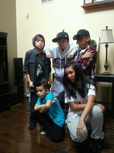 Mikey, Nick& Madison:)((SHIRTLESS)) - ICONic Boyz Photo ...