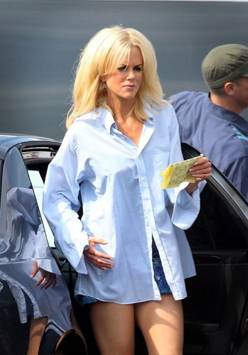 Nicole goes blonde for The Paperboy