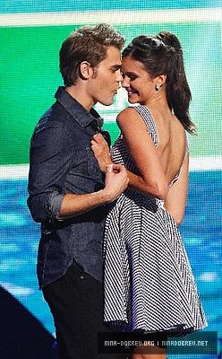 Nina @ 2011 Teen Choice Awards