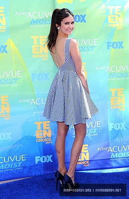 Nina @ 2011 Teen Choice Awards