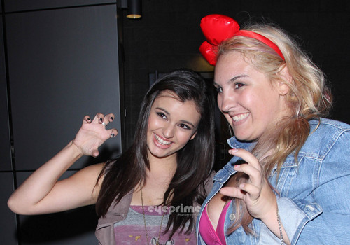 Rebecca Black poses for foto after Katy Perry konser in L.A, Aug 5