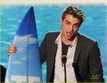 Robert Pattinson Wins Teen Choice Award - twilight-series photo