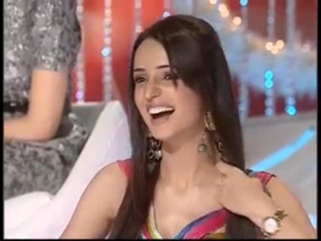 Sanaya Irani Sanaya in Meethi Choorii No.1 on NDTV Imagine