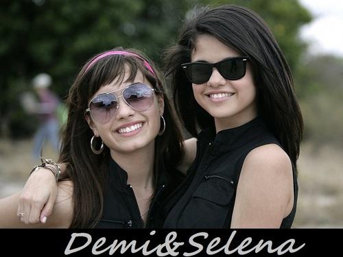 Selena&Demi kertas dinding ❤