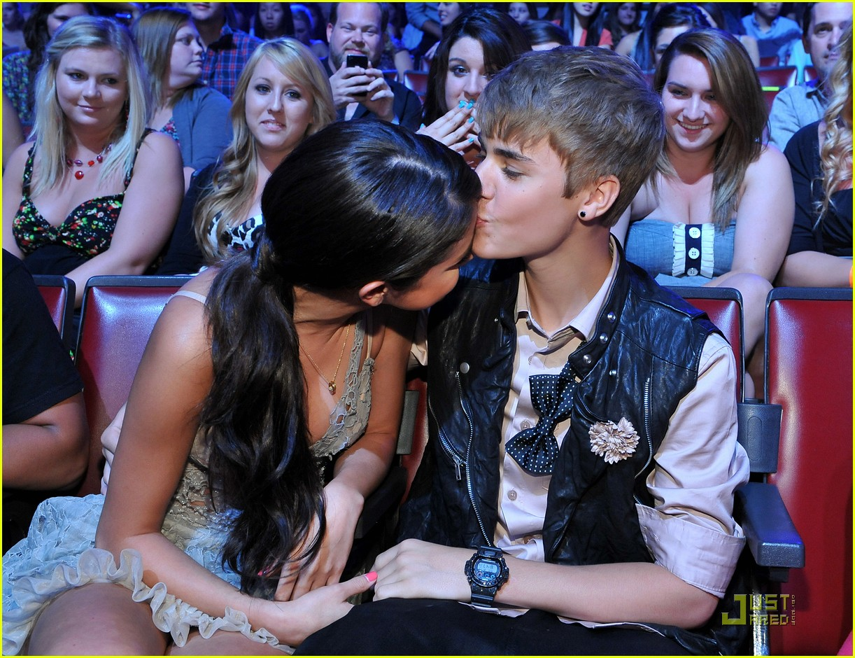 Selena gomez and justin bieber teen choice awards 2012