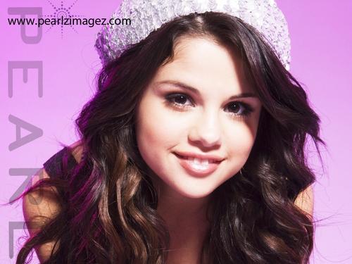 Selena Gomez pics 由 Pearl!!