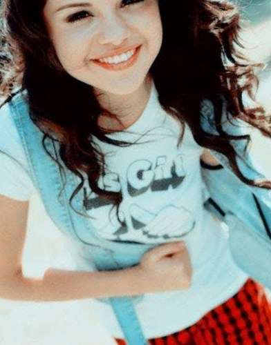 Selena Gomez.!..