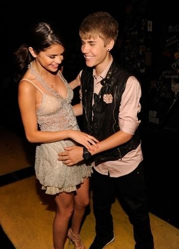 Selena & Justin at TCA 2011