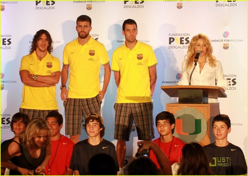 Shakira: Barefoot Foundation Event with Gerard Pique!