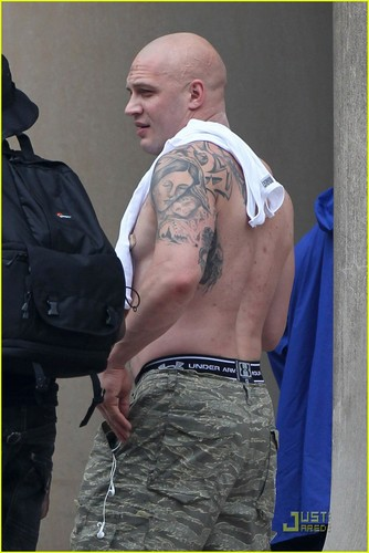 Shirtless Tom Hardy on the set 'The Dark Knight Rises'