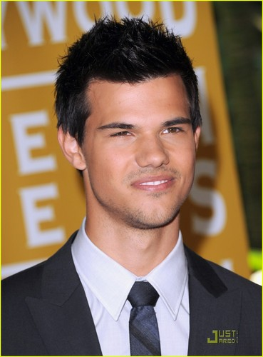 Taylor Lautner: HFPA Luncheon