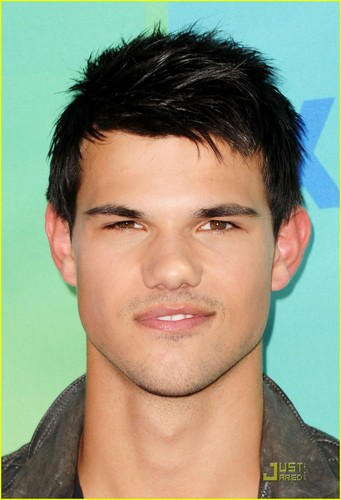 Taylor Lautner & Nikki Reed - Teen Choice Awards 2011