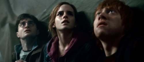 Harry Potter And The Deathly Hallows Part 2 karatasi la kupamba ukuta containing a portrait titled The Trio