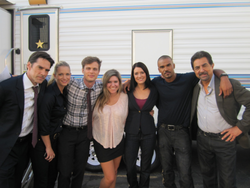 Criminal Minds achtergrond with a business suit entitled The cast