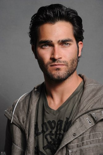 泰勒·霍奇林 壁纸 probably with a green beret, 迷彩服, 疲劳, and 战斗服 called Tyler Hoechlin♥