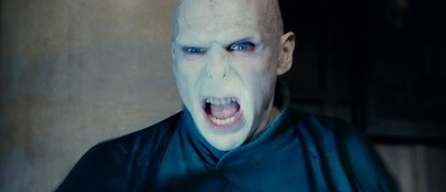 Harry Potter And The Deathly Hallows Part 2 karatasi la kupamba ukuta entitled Voldemort's Rage