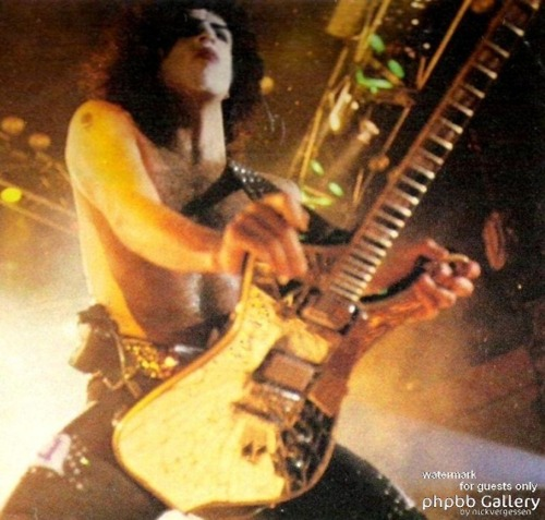 Paul Stanley wallpaper with a guitarist entitled ☆ Paul ☆