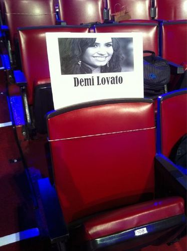 @ddlovato upuan on TCA 2011