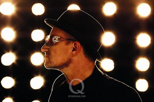 U2 wolpeyper called 2009 Q cover shoot