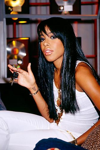 Aaliyah wallpaper entitled Aaliyah 106&Park