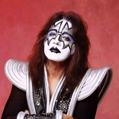 KISS پیپر وال called Ace Frehley