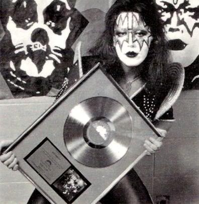 KISS پیپر وال containing a turntable کی, ٹورنتبلی entitled Ace Frehley