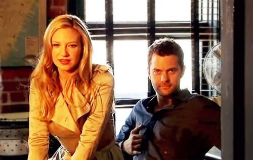Anna Torv and Joshua Jackson wallpaper with a portrait called Anna Torv and Joshua Jackson
