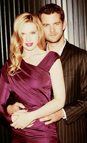 Anna Torv and Joshua Jackson fondo de pantalla with a cóctel, coctel dress entitled Anna Torv and Joshua Jackson