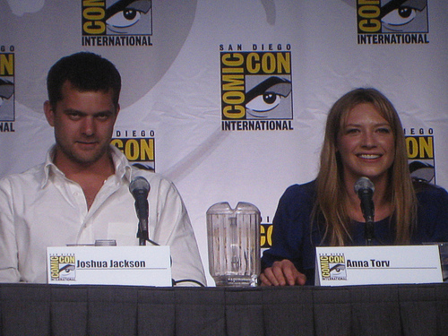 Anna Torv and Joshua Jackson fondo de pantalla called Anna and Josh