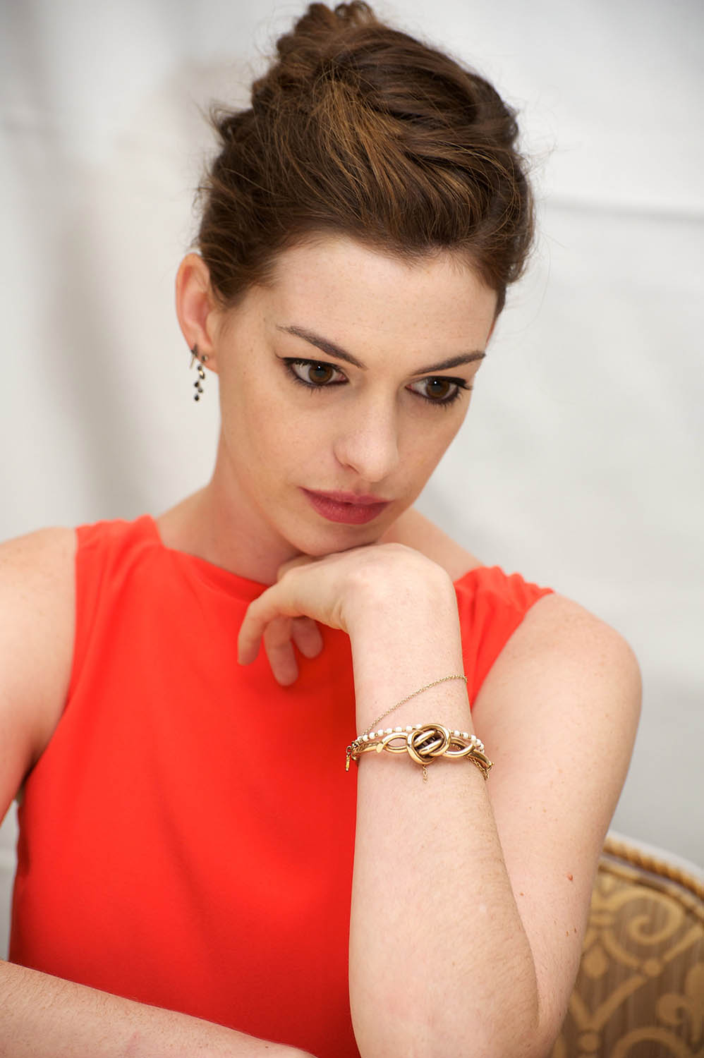 """Anne Hathaway: """"One Day"""" Press Conference in New York, August 9"""