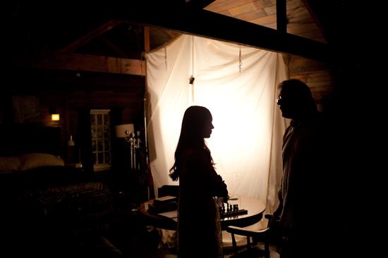 Nuotraukos iš 3 TVD sezono. Behind-the-scenes-damon-and-elena-24450301-550-367