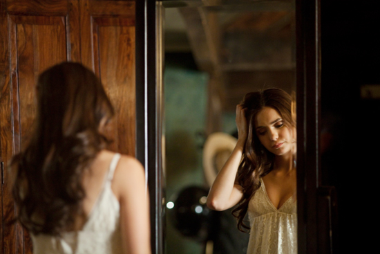 Nuotraukos iš 3 TVD sezono. Behind-the-scenes-damon-and-elena-24450303-550-367