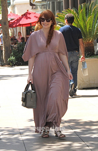 Bryce Dallas Howard films for Extra at the Grove in Hollywood, Aug 8