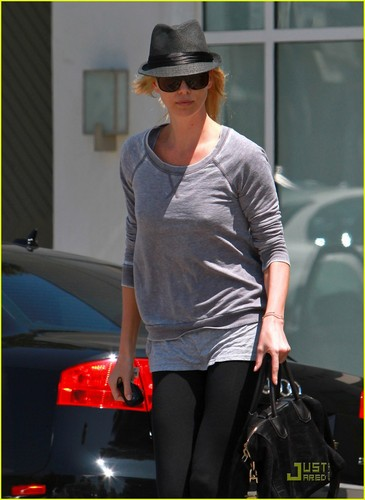 Charlize Theron: Saturday Salon Stop