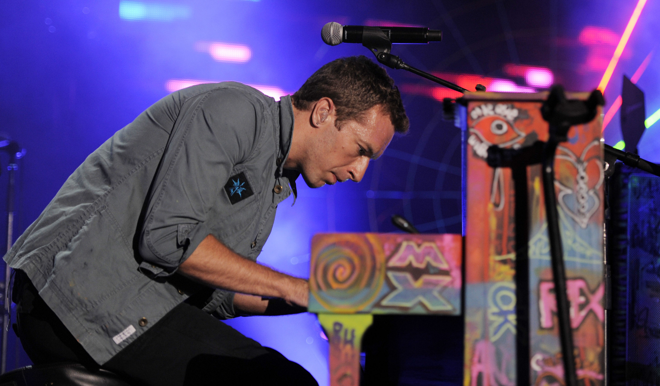 Google Doodle Symbolik Concert-To-Benefit-The-GRAMMY-Foundation-August-3-2011-coldplay-24427673-2560-1497