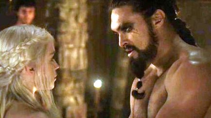 Daenerys Targaryen achtergrond probably containing a hunk, an abattoir, and skin titled Daenerys Targaryen and Khal Drogo