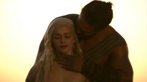 Daenerys Targaryen wallpaper with skin titled Daenerys Targaryen and Khal Drogo