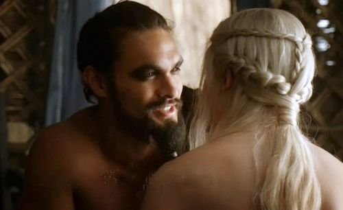 Daenerys Targaryen wallpaper probably containing skin titled Daenerys Targaryen and Khal Drogo