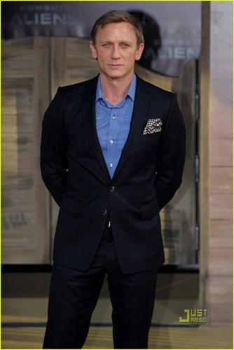 Daniel Craig: 'Cowboys & Aliens' Berlin Premiere!