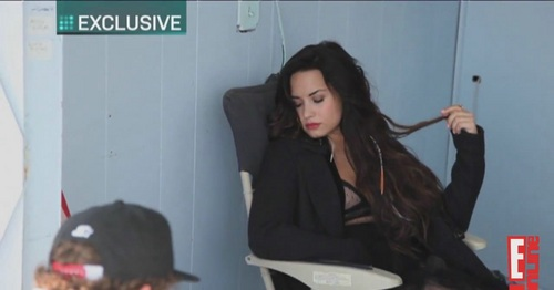 Demi - E Online - Behind The Scenes (Elle)