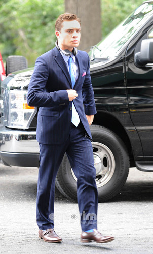 Ed arriving on the Set of Gossip Girl in NY, Aug 10