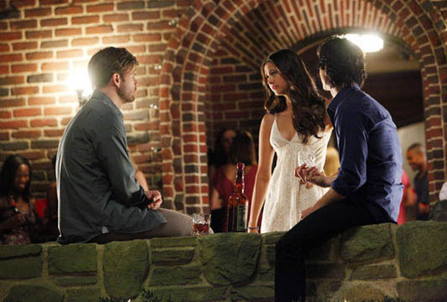 Vampire Diaries – Fernsehserie Hintergrund probably with a sign entitled First Official Picture for First Episode season 3 'The Birthday'