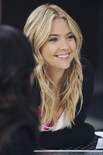 Pretty Little Liars TV Show wallpaper containing a portrait titled Hanna