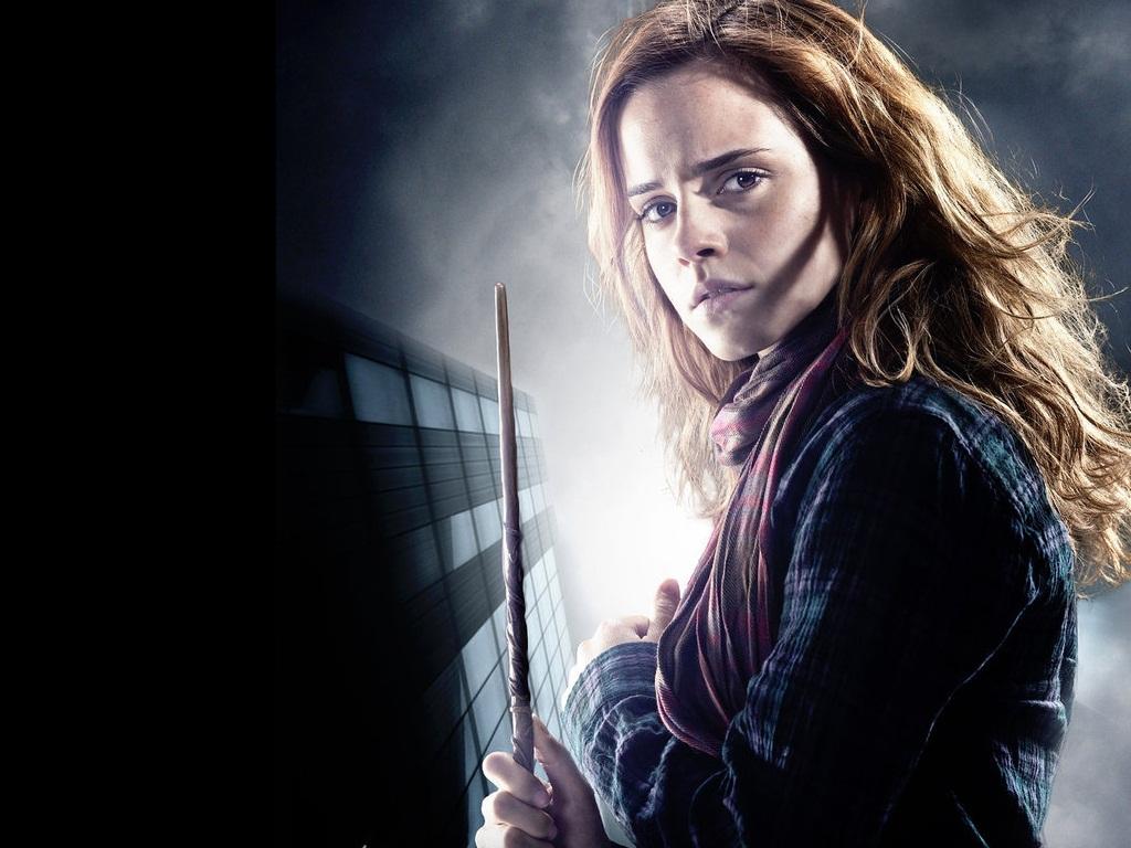 Casate, acuestate o mata - Página 4 Hermione-Granger-Wallpaper-hermione-granger-24489751-1024-768